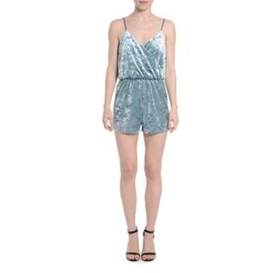 NWT Romeo & Juliet Couture Velvet Romper Medium